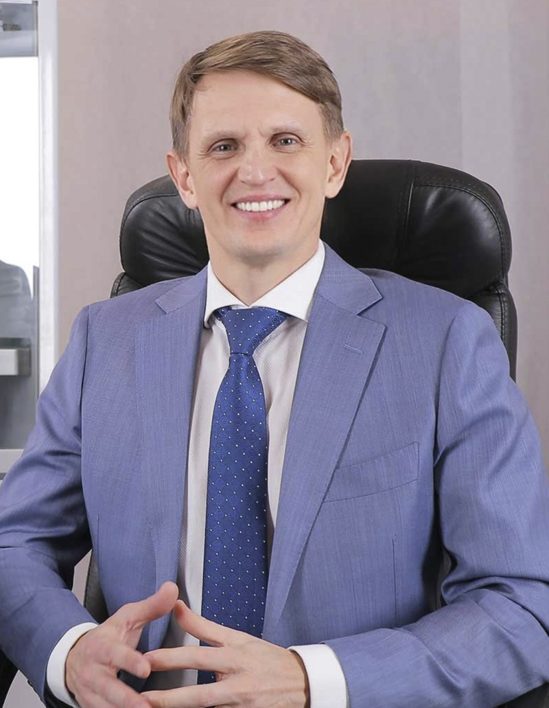 Roman Tsibulsky founder and owner of the company www.Kapsulator.ru Equipment for encapsulating oil in round gelatin capsules