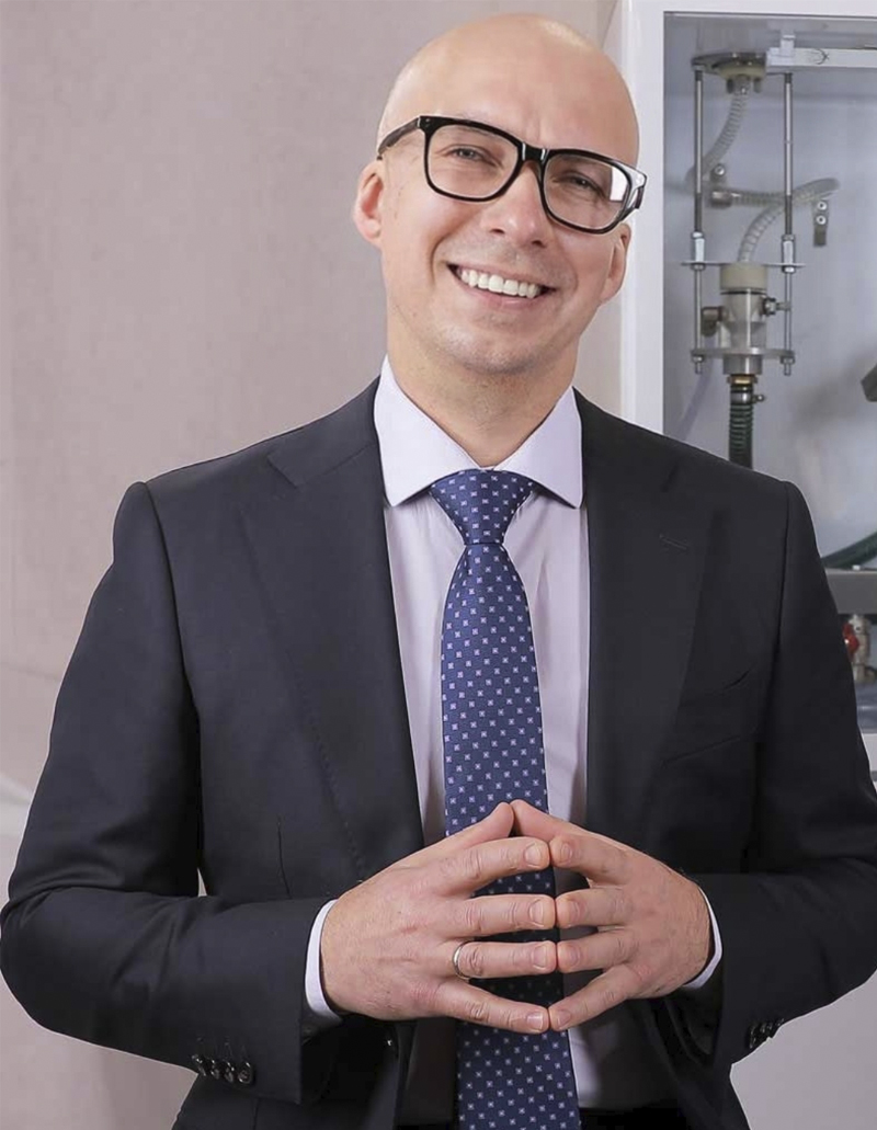 Pavel Shmanai CTO of the company www.Kapsulator.ru Capsulator for the production of round gelatin and agar oil capsules